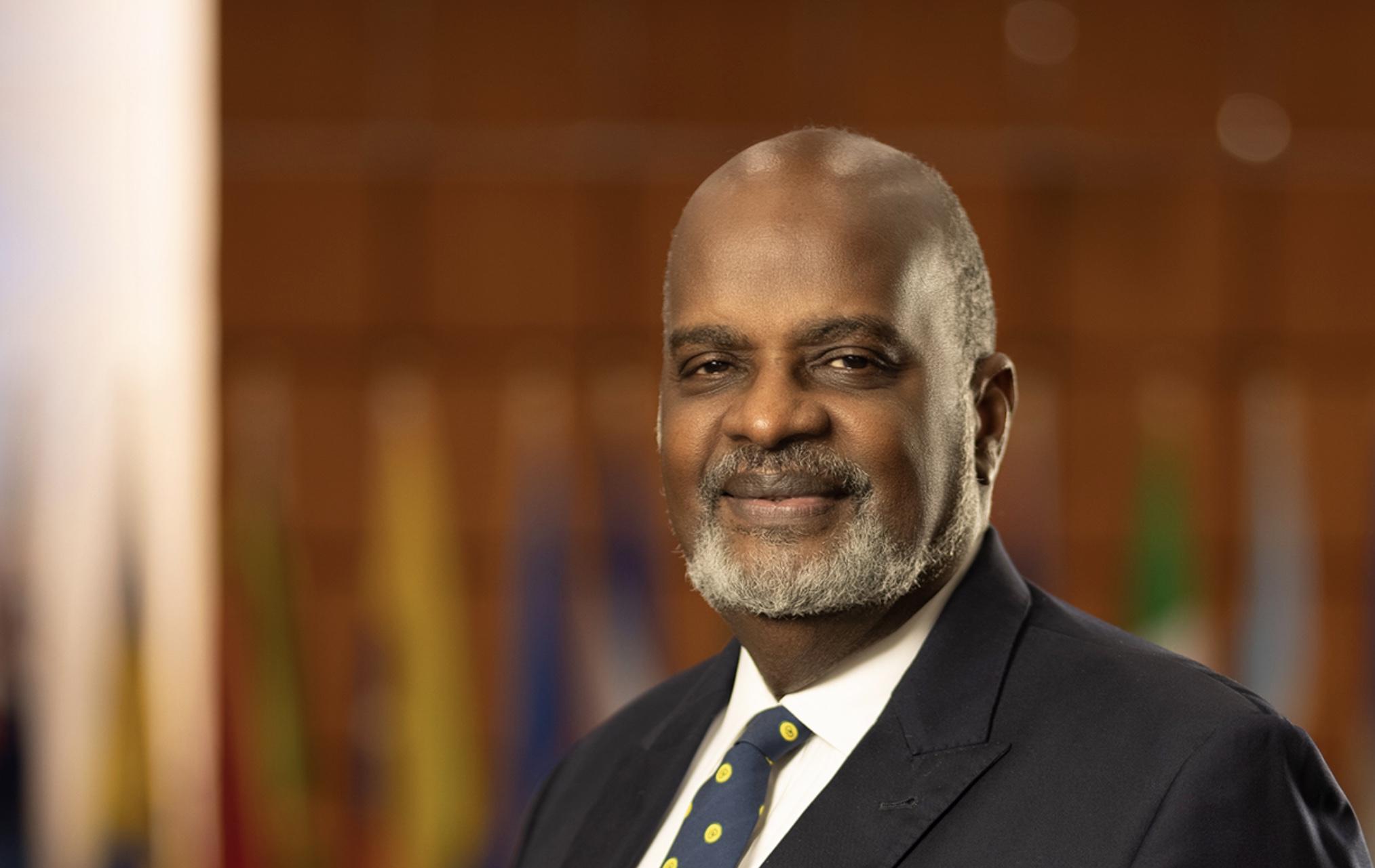 El Presidente de la DIA Insta a los Miembros a Seguir Orando y Ministrando en Tiempos Difíciles